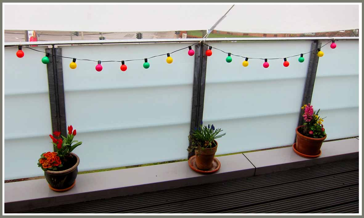 solar lichterkette balkon die top 10 solar lichterketten jetzt hier vergleichen led solar. Black Bedroom Furniture Sets. Home Design Ideas